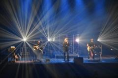 Na-scenie-auli-I-LO-wystąpił-zespół-Universe