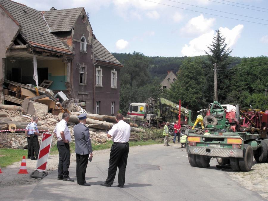 Akt oskarżenia po katastrofie w Kamionkach
