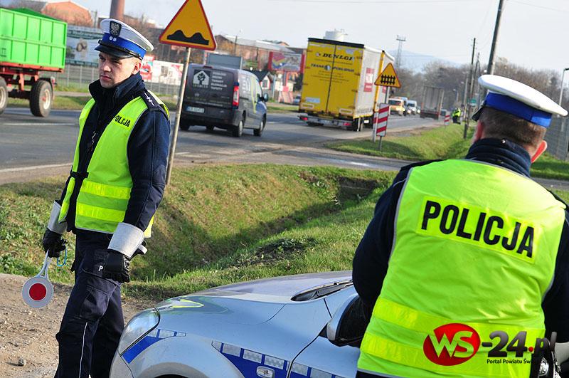 """""""Bezpieczna Wielkanoc"""". Więcej patroli na drogach"""
