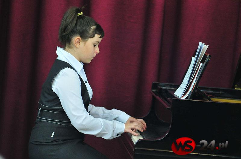 Młodzi pianiści na scenie