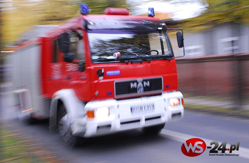 Pożar budynku. Cztery osoby ranne