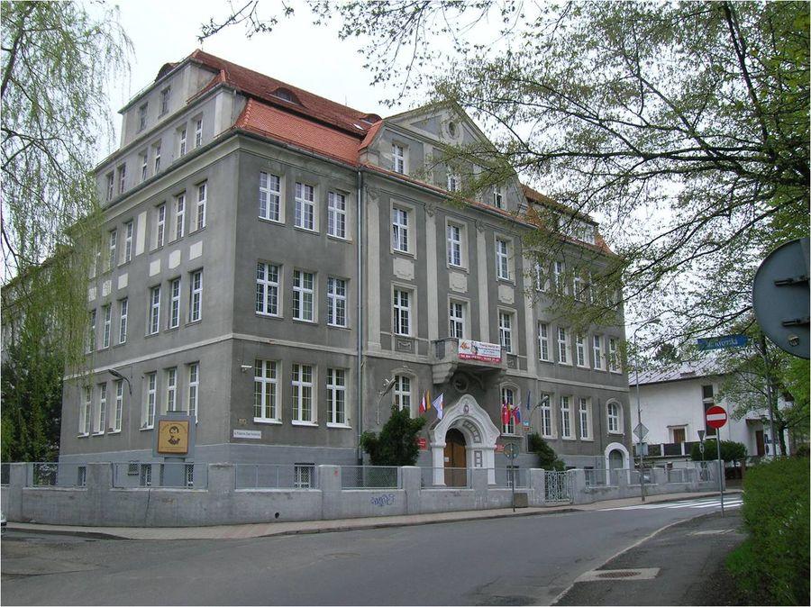 Świdnickie szkoły ponadgimnazjalne nisko w rankingu
