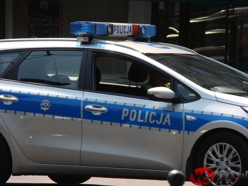 policjasamochod2