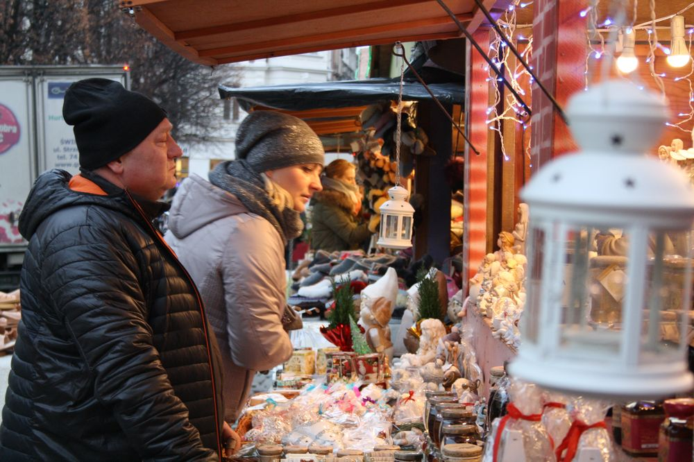 Trwa Jarmark Bożonarodzeniowy (FOTO/PROGRAM)