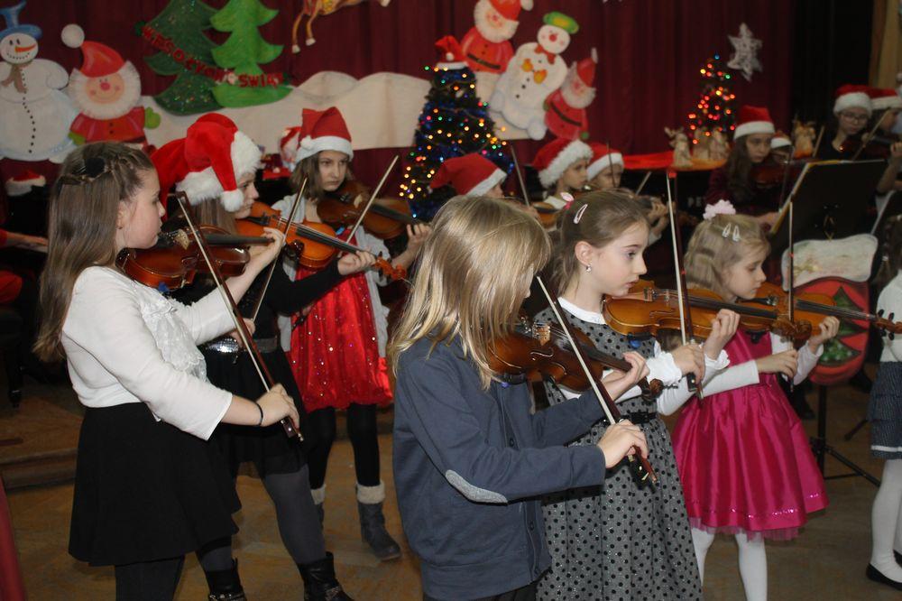Koncert kolęd w Szkole Muzycznej (FOTO)