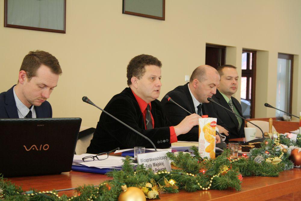 Ostatnia sesja w tym roku. Budżet na kolejny rok przyjęty (FOTO)