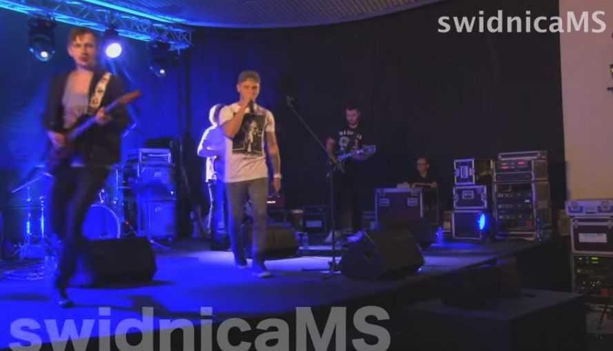 Bielizna dla Kumóra od nastolatek (VIDEO)