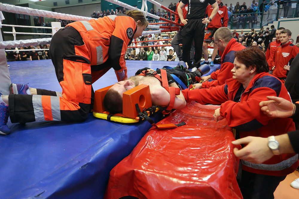 """Jamro masakrował pod okiem """"Różala"""" (FOTO, WIDEO)"""