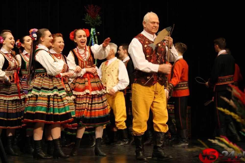 Obrzędy wielkanocne tańcem malowane (FOTO)