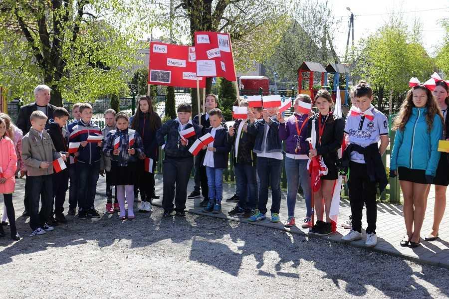 Majowy patriotyczny korowód radości w Jaroszowie