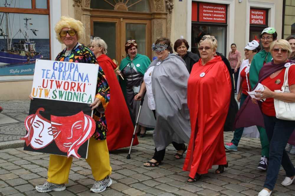 Seniorzy opanowali Rynek (FOTO)