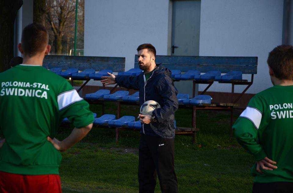 Młody trener postawi na młodych