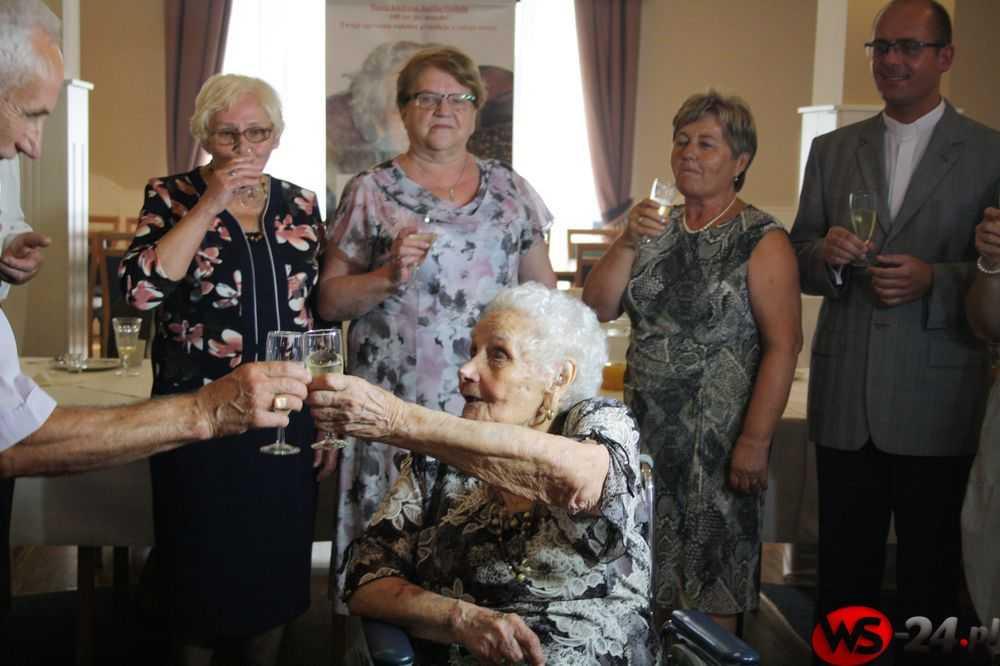 urodziny 100-latki bfg (1)