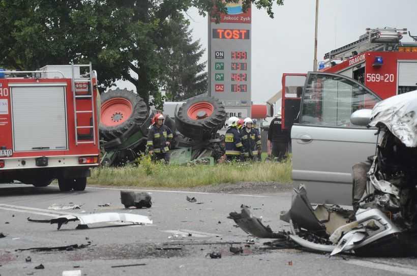 Wypadek z udziałem ciągnika (FOTO)