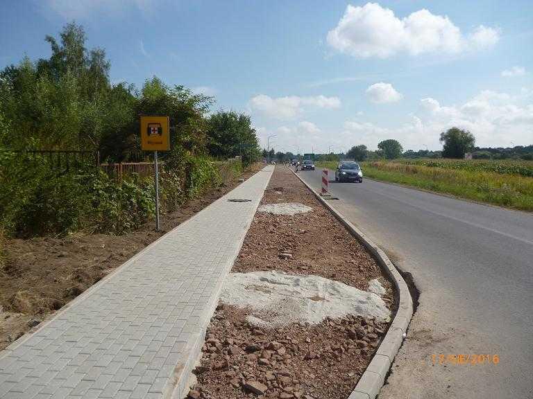 Swidnica kochanowskiego - witoszow dolny chodnik i ścieżka 1