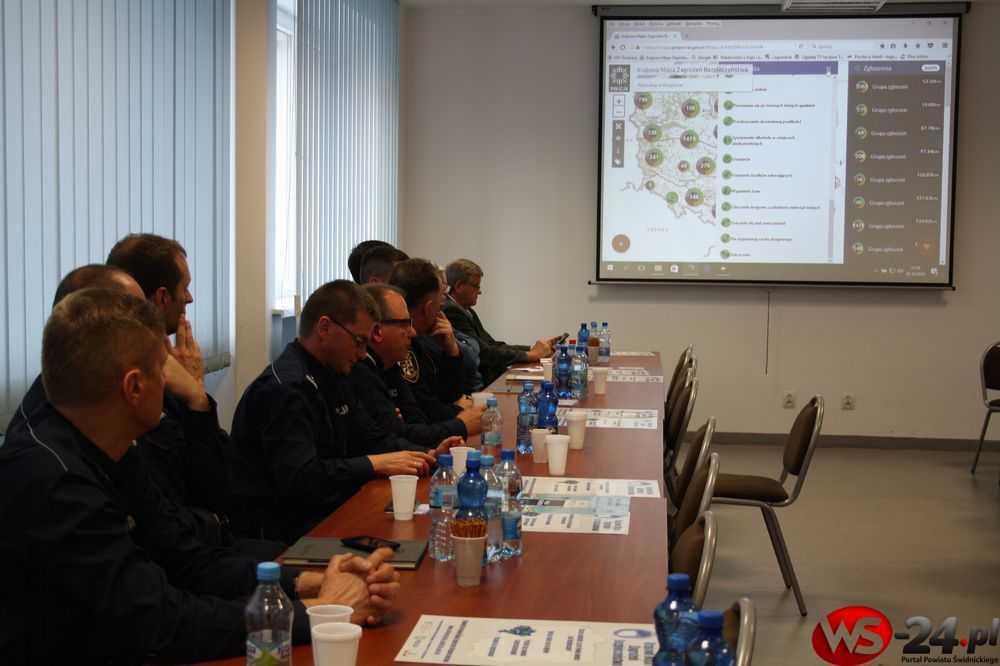 policja konferencja mapa zagrożeń (14)