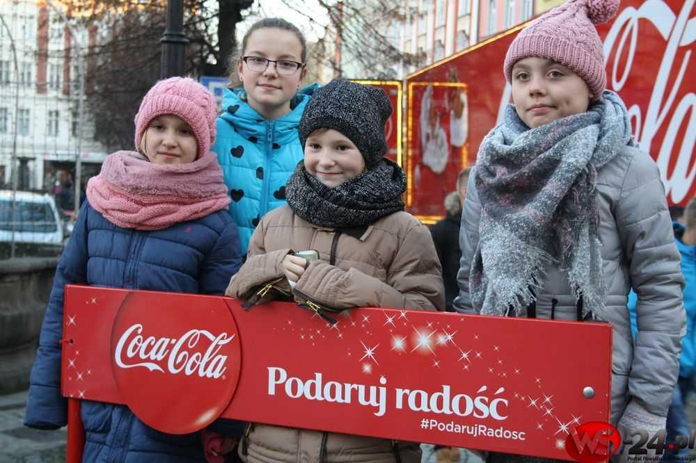 ciezarowka-coca-cola-oswietlona-swidnica-6