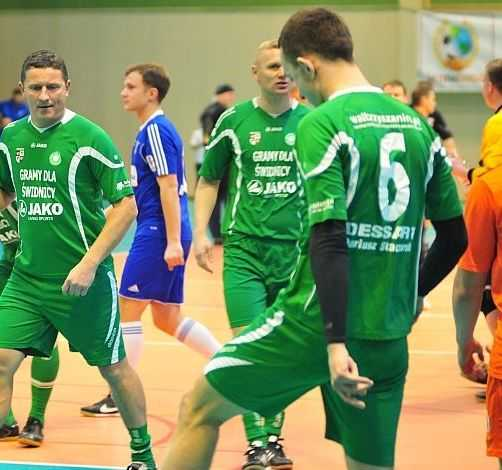 Piłkarscy oldboje ze Świdnicy zagrają razem