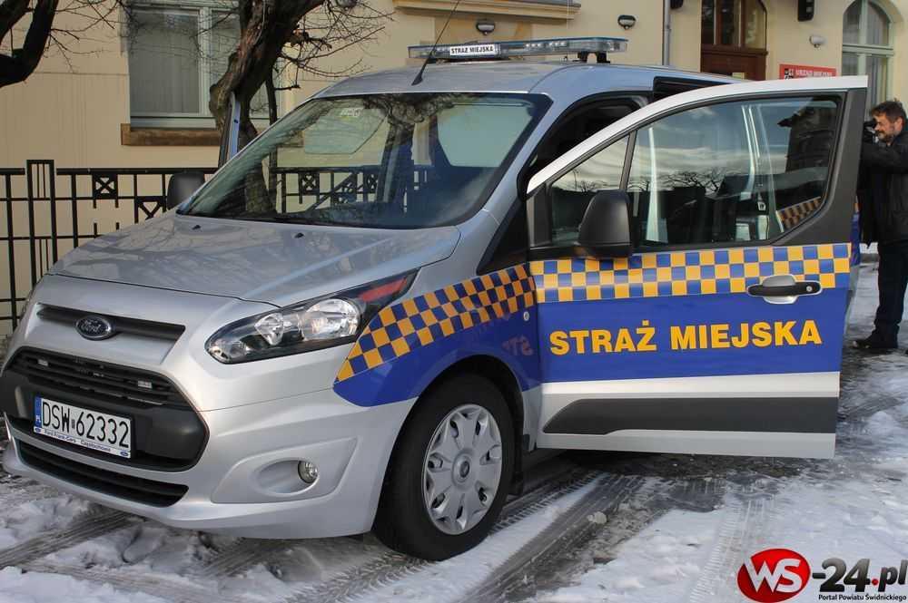 Straż Miejska w Świdnicy ma nowy radiowóz (FOTO)