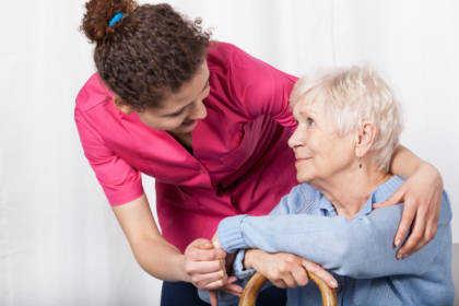 Dlaczego opiekunowie osób starszych są potrzebni w Niemczech?