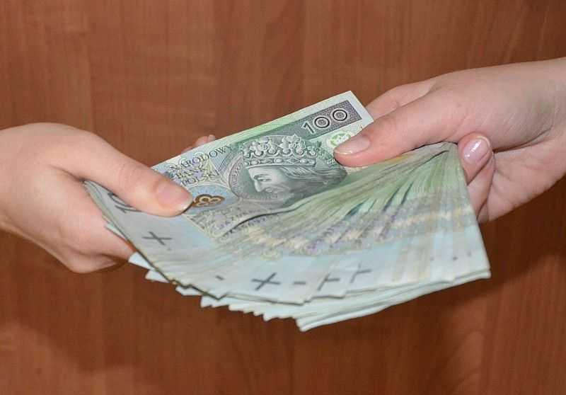 Ruszyła wypłata pierwszych emerytur. 1300 zł mniej dla kobiet