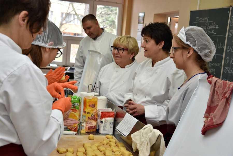 Wspólne gotowanie w Mokrzeszowie