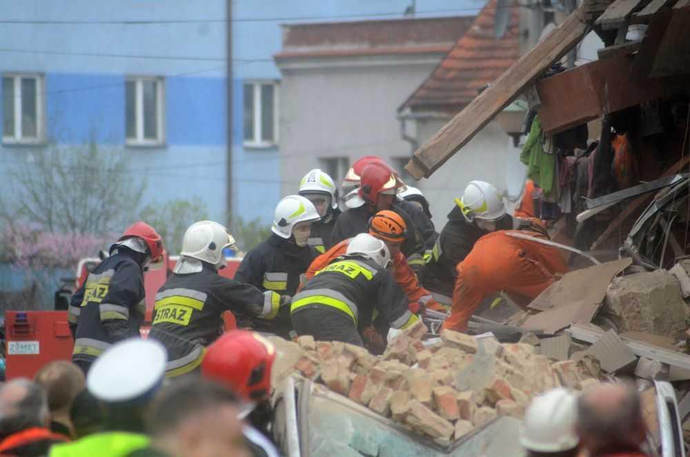 Sześć ofiar katastrofy budowlanej – zdjęcia z akcji ratunkowej