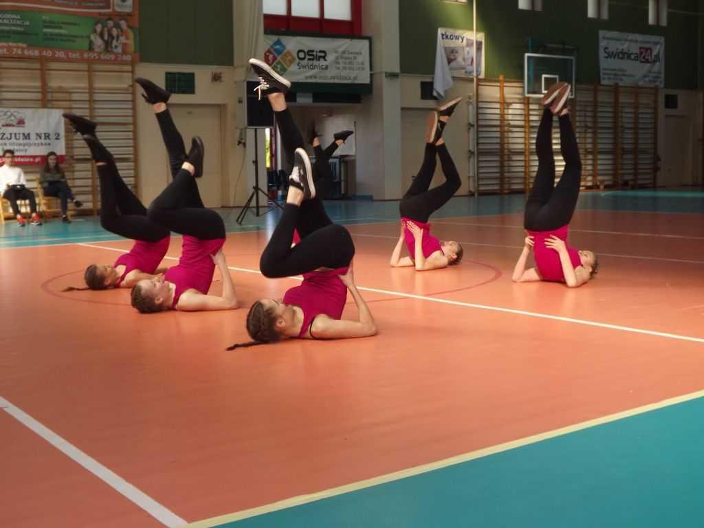 Gimnazjalistki w aerobiku (FOTO)