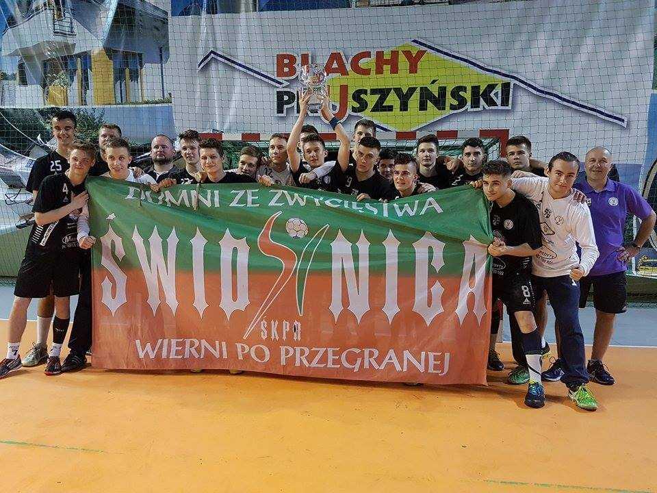 Drugie zwycięstwo mistrzów Polski w III lidze