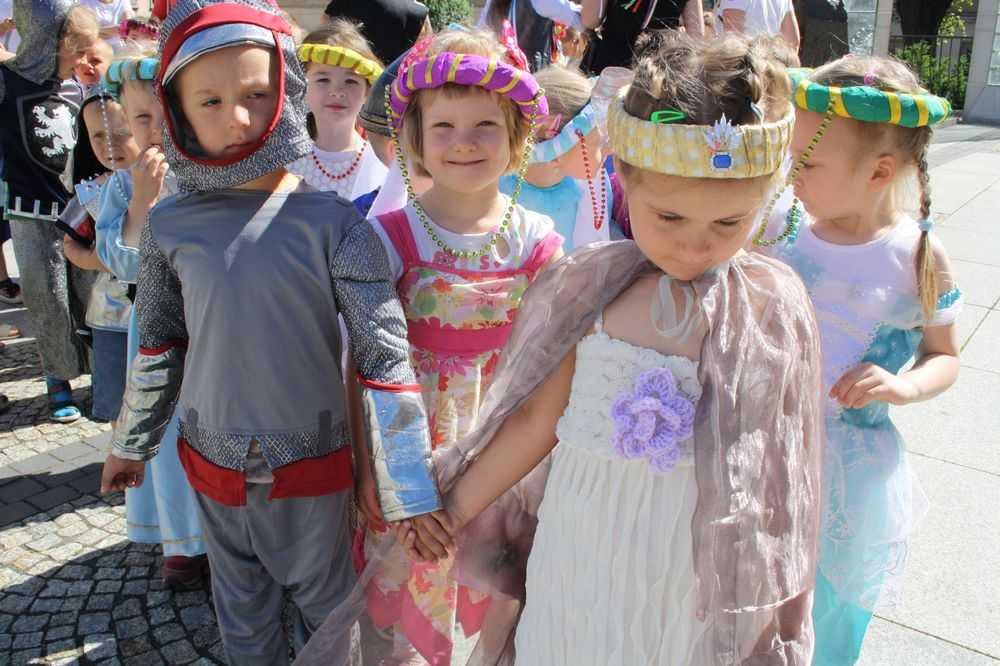 Księżniczki, smoki i gryfy opanowały miasto! (FOTO)