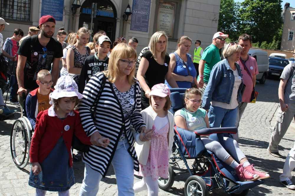Przeszli w radosnym marszu! (FOTO)
