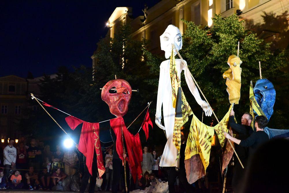 Magia teatru na ulicy (FOTO)