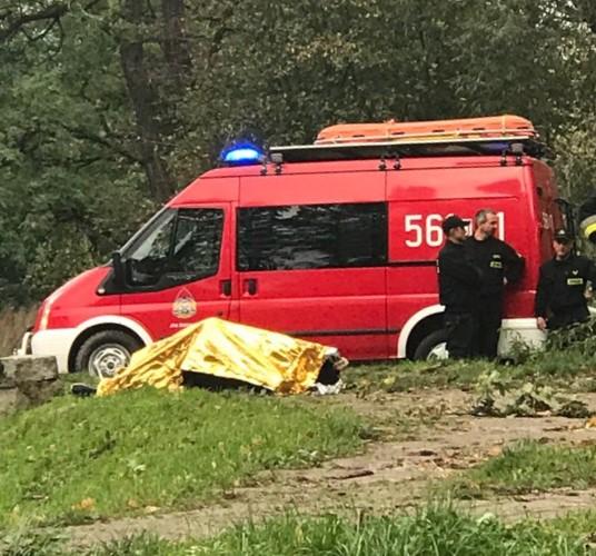 Strażacy wyłowili ciało, które pływało przy śluzie w Parku Centralnym w Świdnicy