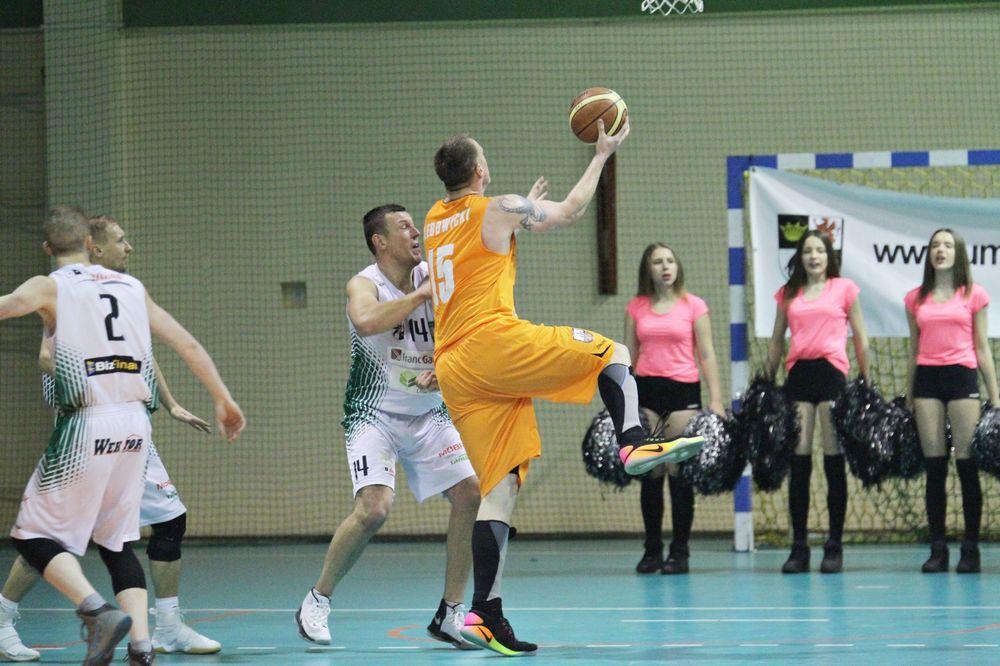 Koszykarze kończą ligę