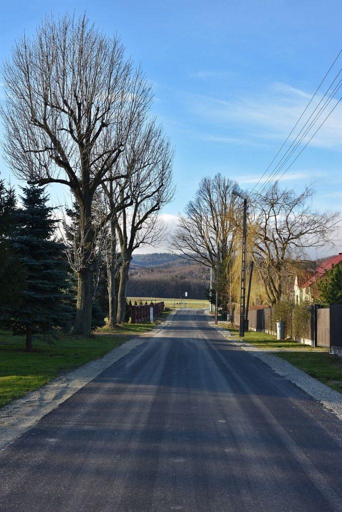 Droga w Stachowicach po remoncie