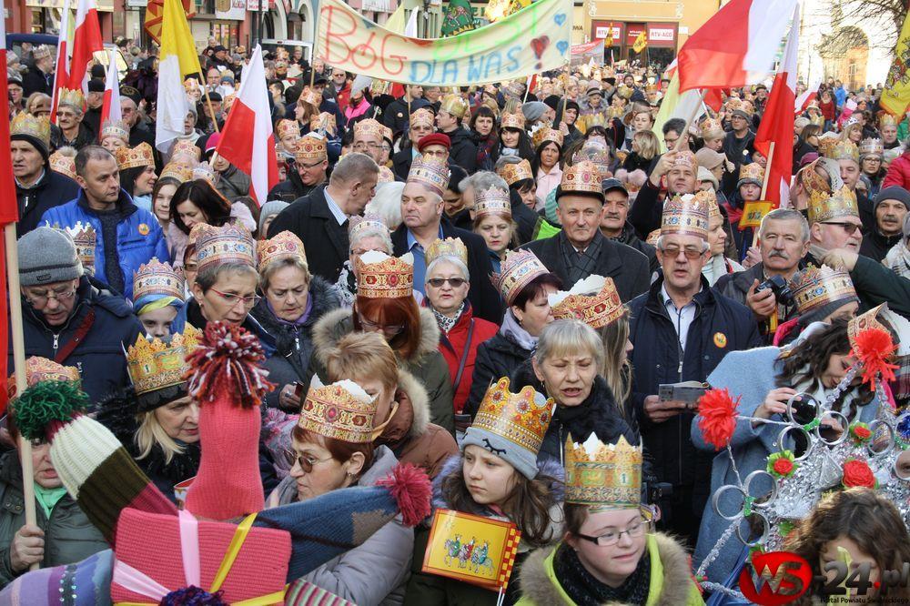 Tłumy na Orszaku Trzech Króli w Świdnicy (FOTO/VIDEO)