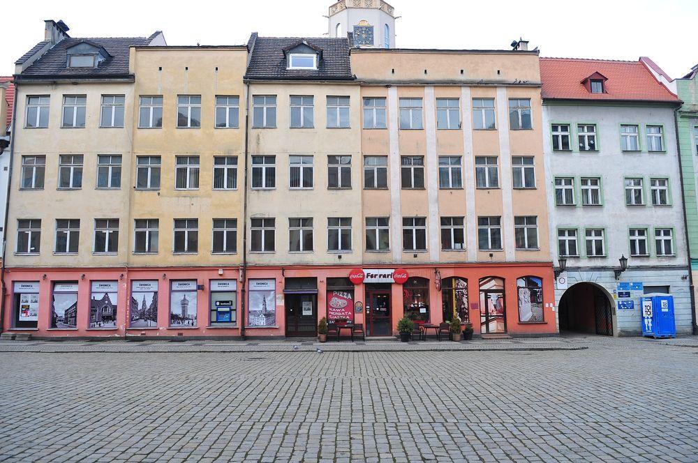Budynek w Rynku do remontu