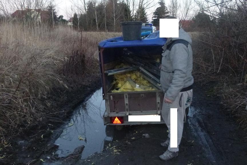 Chciał pozbyć się śmieci, dostał mandat