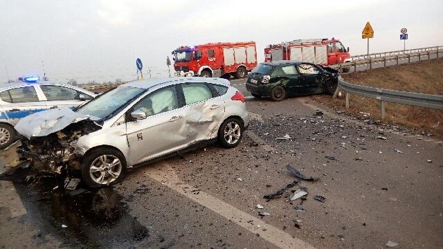 Groźne kolizje, rozbite auta