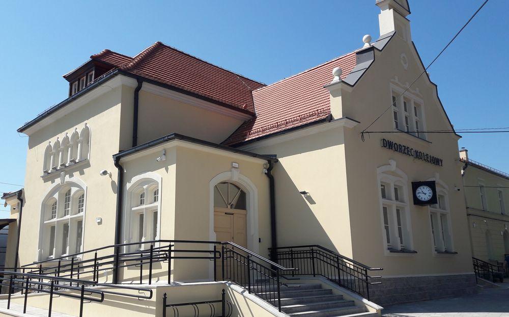 Zmodernizowany dworzec w Żarowie