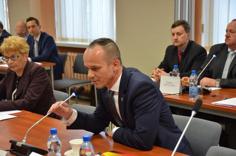 Sesja w powiecie. Piotr Fedorowicz na czele starostwa