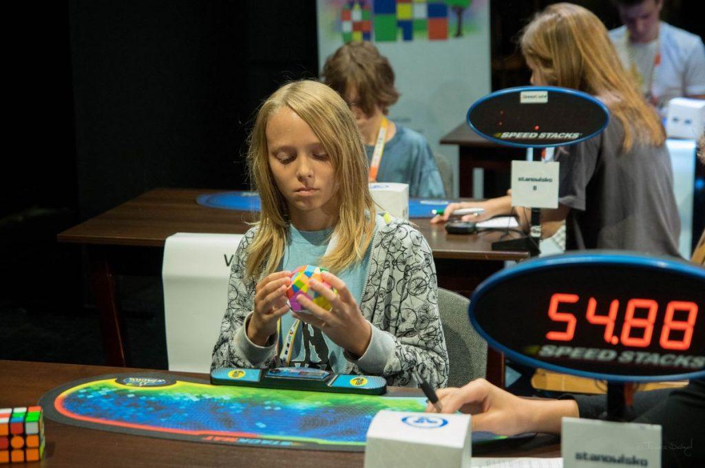 Mistrz kostki Rubika (FOTO)