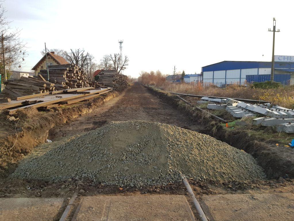 Remontują  linię kolejową