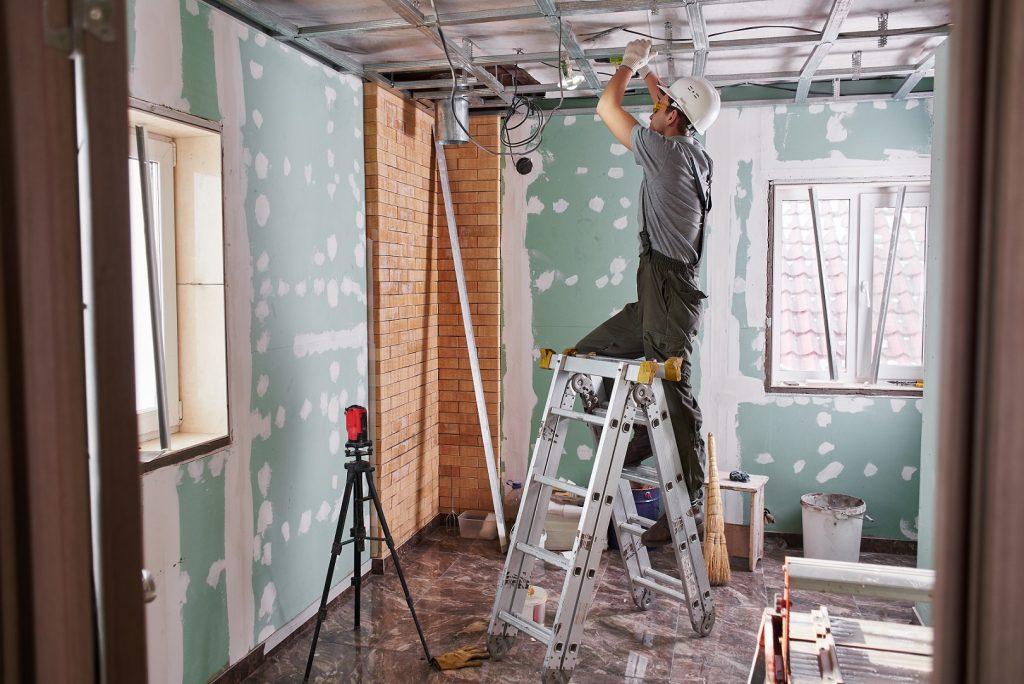 Wykończenie sufitu — sprawdź, jakie sufity cieszą się największą popularnością